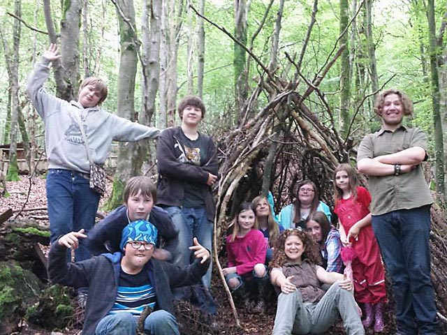 forest_school_group.jpg